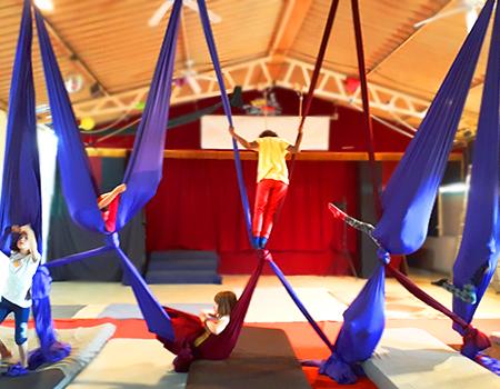 Escola de Circ per a nenes i nens de 6 a 10 anys